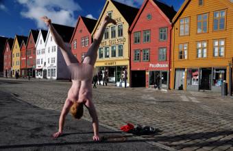 Bryggen-Bergen-Norway-blurred
